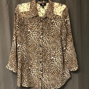 Leopard print XL button down w/lace shoulders top